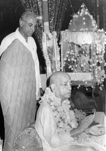 Mr. Sethi with Srila Prabhupada, October 1977, Chandigarh.