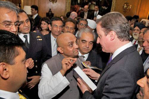 david.cameron.receives.gita