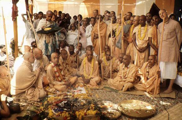 prabhupada.with.godbrothers