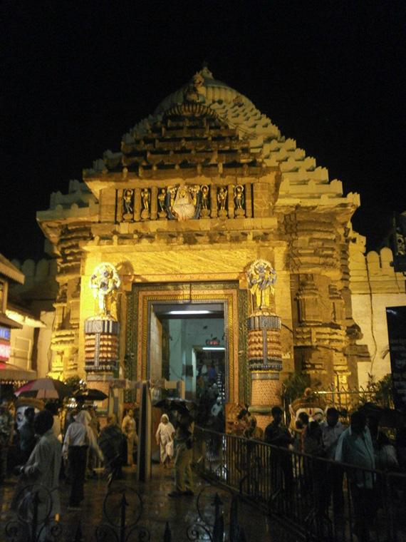 Puri-Sree-Jagannath-temple-Light2