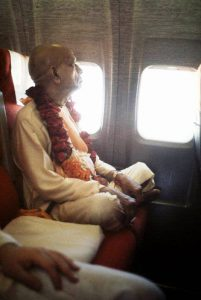 prabhupada_on_airplane
