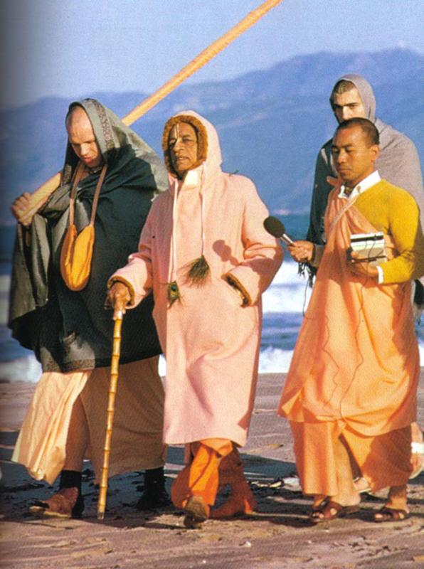 prabhupada-walk-1