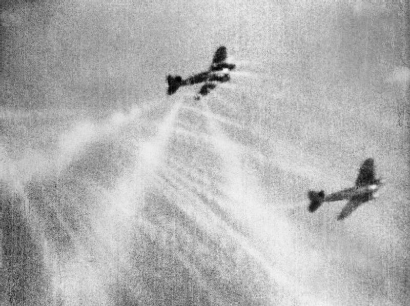 Spitfires_camera_gun_film_shows_tracer_ammunition