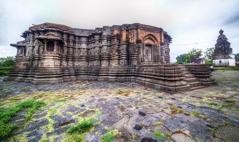 Daitya-Sudan-Temple-Lonar-800x477