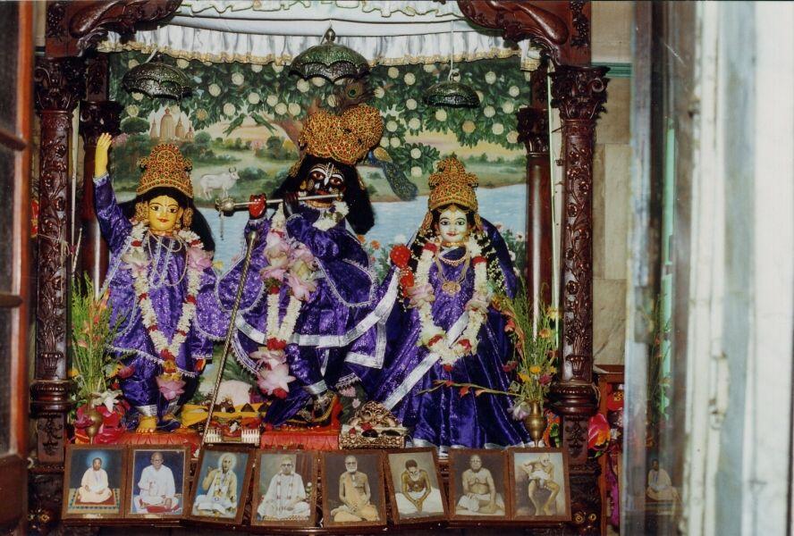 gaudiya-math-bagbazar-deities