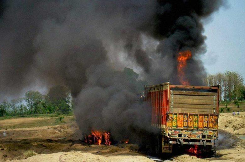 burningtruck-780x518