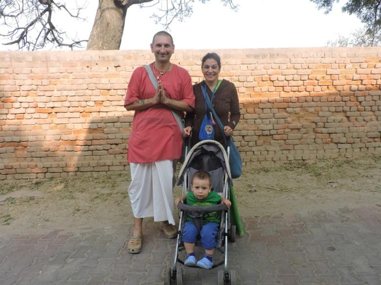 devoteefamily2-780x585