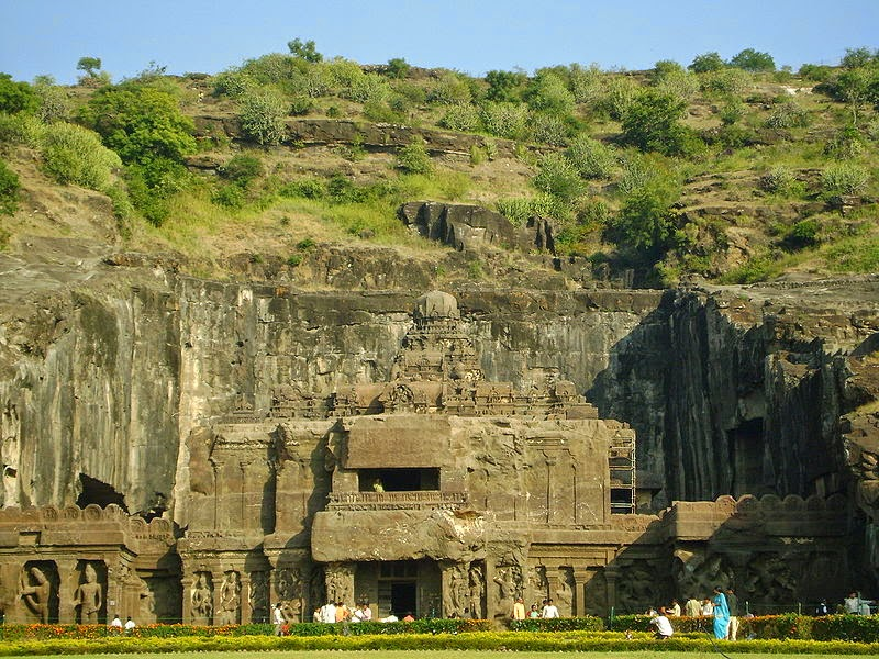 800px-Kailash_Temple_(Cave_16)_in_Ellora_Caves