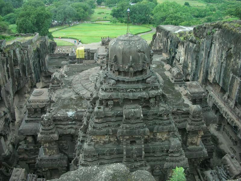 ellora-caves-india-mountain-temples-18