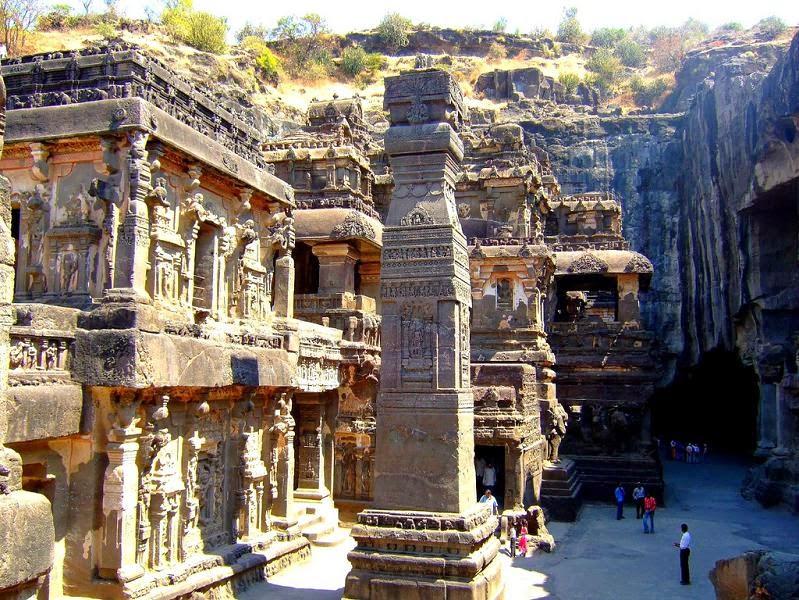 ellora-caves-india-mountain-temples-23