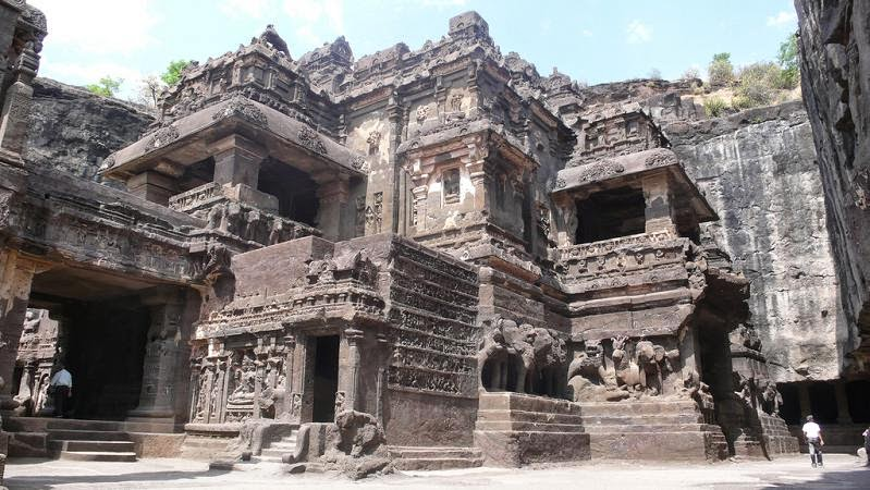 The amazing rock cut kailasa temple vina vaishnava for Ajanta cuisine of india