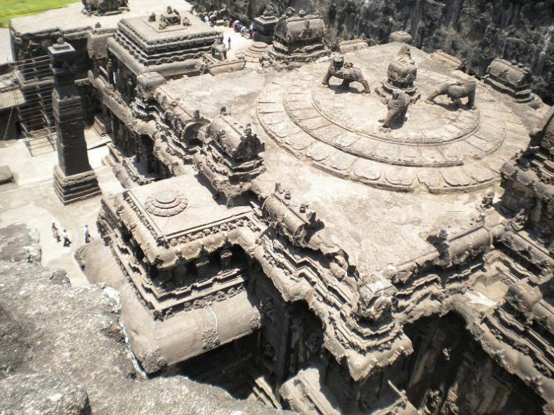ellora-caves-india-mountain-temples-5