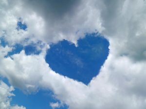 heart-shaped-cloud-formation-detlev-van-ravenswaay-300x225