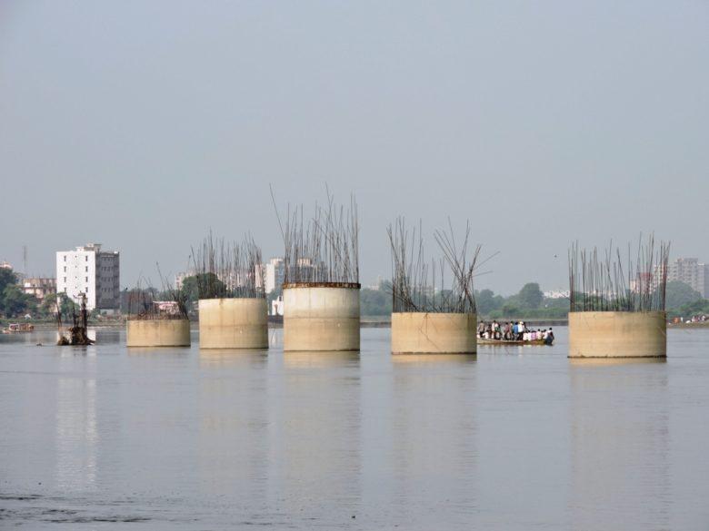 pillars-of-half-moon-bridge-opposite-keshi-ghat-780x585