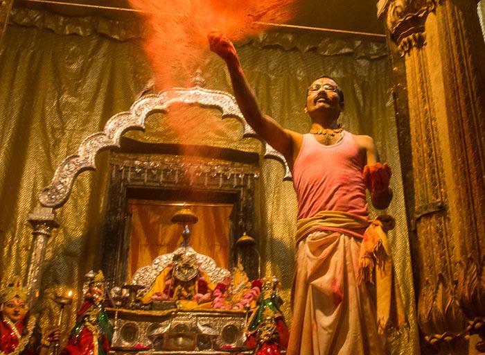 Must-See Places in Vrindavan: Radha Raman Temple